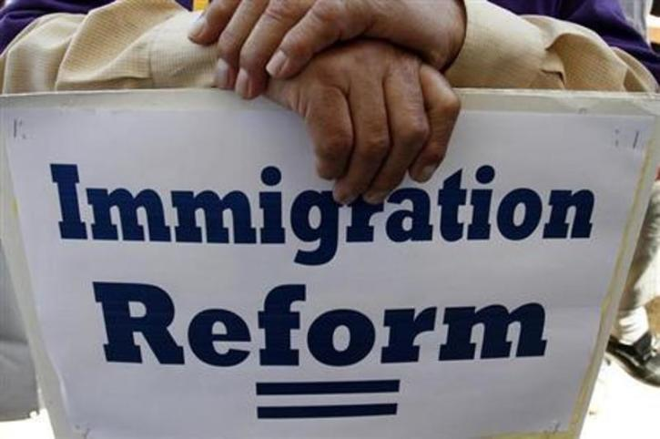 Priests Head to Arizona Border to Advocate Immigration Reform