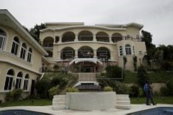 Salvadoran President Elias Antonio Saca mansion